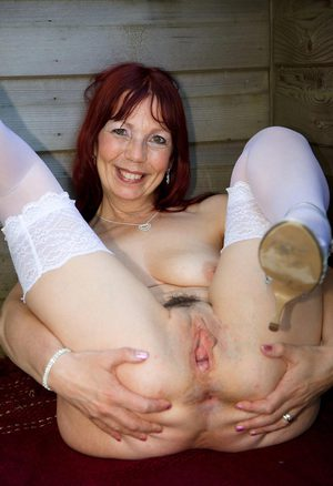 Mature lady hand job