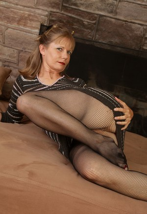 Old Granny In Pantyhose Porn Tubel 120