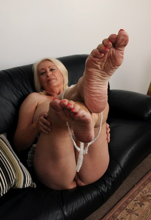 Love Ugly foot fetish milf want everything