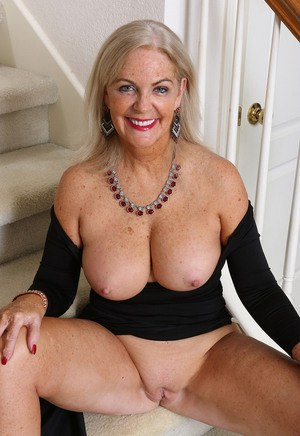57 year old dutch woman masturbate 8