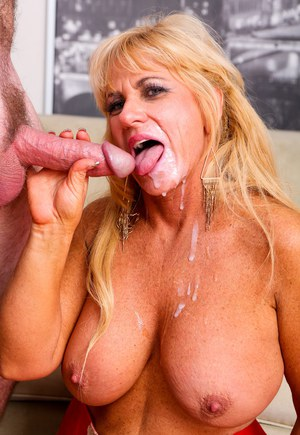 A dick suckin and pussy eating 4