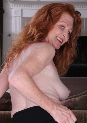 Real amateur milf and housewife emily