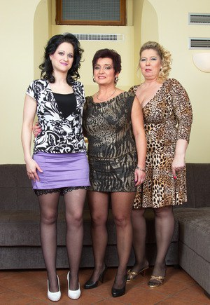 Lesbian mature with chelsea zinn and kelly leigh - 2 part 8